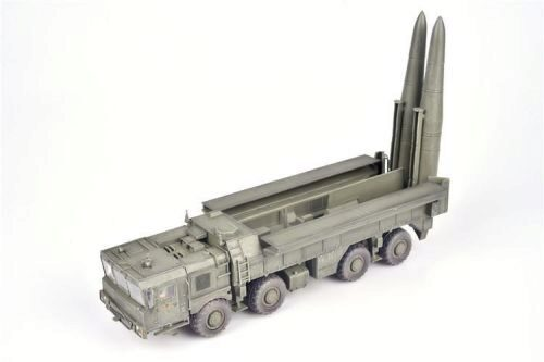 Modelcollect AS72126 Russian 9K720 Iskander-M Tactical ballistic missile MZKT chassis