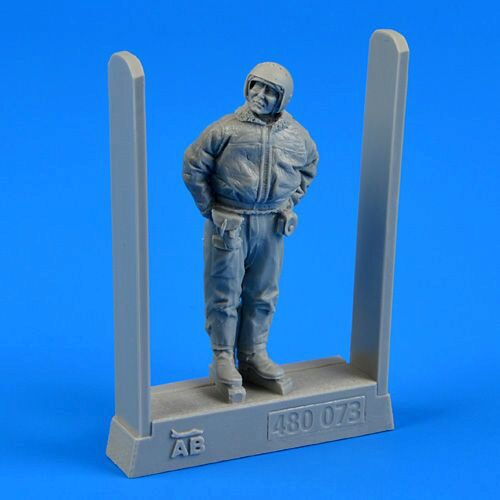 Aerobonus 480.073 Soviet air force fighter pilot-winter su