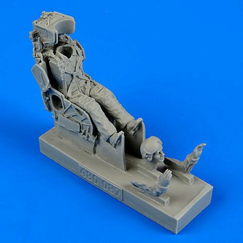 Aerobonus 480.087 Russian pilot w.KS-4 ejection seat f.Su7