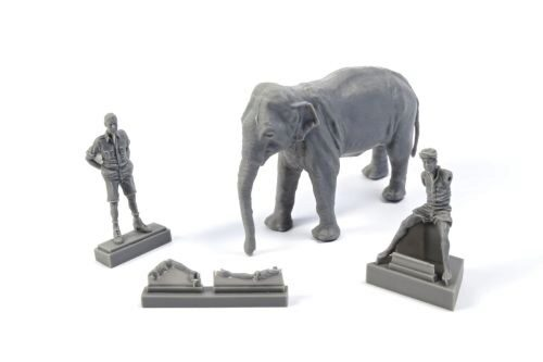 CMK 129-F48345 WWII RAF Mechanic in India+Elephant with Mahout (2 Fig. + Elephant)