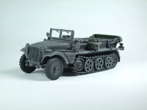Caesar Miniatures 7204 WWII German Sd. Kfz. 10 Halftrack