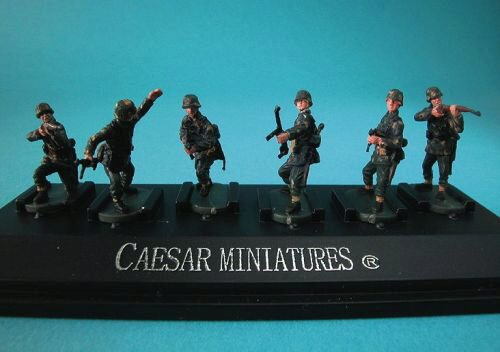 Caesar Miniatures P801 WWII German Panzergrenadiers set1 (fertig bemalt)