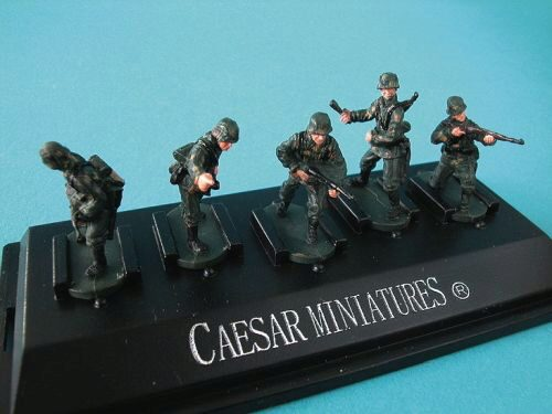 Caesar Miniatures P803 WWII German Panzergrenadiers set3 (fertig bemalt)