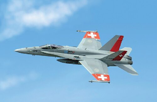 Italeri 1385 F/A-18 HORNET SWISS AIR FORCES