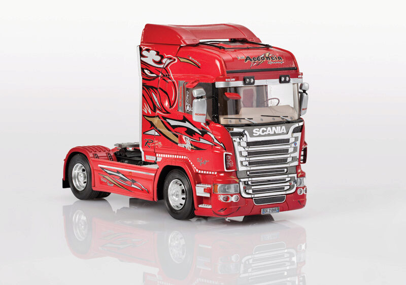 Italeri 3882 SCANIA R560 V8 Highline