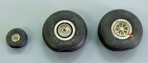 Plus model AL7034 Wheels for C-46 Commando
