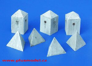 plusmodel 131 Anti-tank Concrete Barriers - Pyramid-style, Set II
