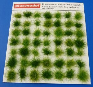 Plus model 471 Tufts of grass-green