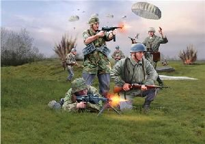 Revell 02532 GERMAN PARATROOPS (WWII)