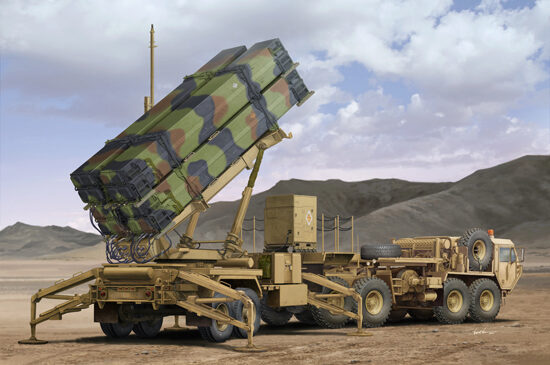 Trumpeter 01037 M983 HEMTT & M901 Launching Station oMIM -104F Patriot SAM System(PAC-3)