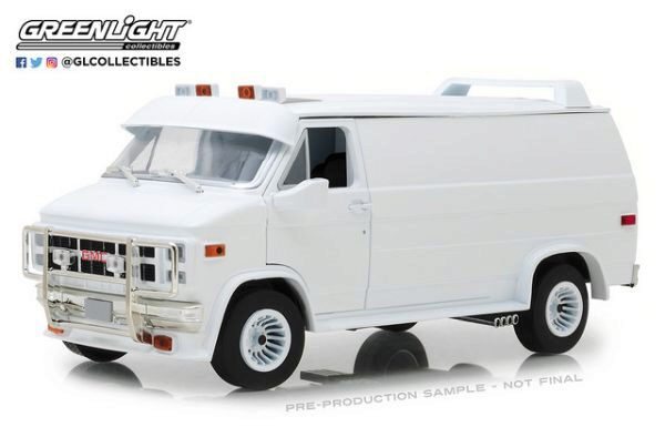 Greenlight 13522 1983 GMC Vandura Custom White