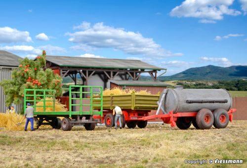 Kibri 15703 Landwirtschaftliche Anhänger Oldies 3 Stück,Bausatz,Spur H0