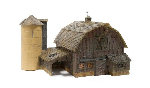 Woodland BR5038 HO Old Weathered Barn